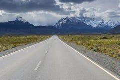 Cerro Torre & Fitz Roy da rota 23 (Argentina) Imagem de Stock Royalty Free