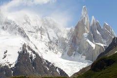 Cerro Torre grupa Torre przy Los Glaciares parkiem narodowym i lodowiec, Argentyna Obraz Stock