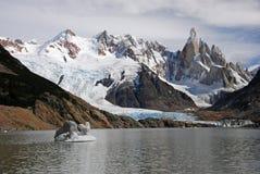 Cerro y lago Torre en Patagonia Foto de archivo libre de regalías