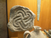 Certains des trésors artistiques de la ville de la capitale de Lisbonne du Portugal en statuaire, poterie, tuiles, tissu, pièces  Photo stock