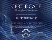 Certificado com obscuridade - teste padrão azul do fundo e do guilloche Molde do projeto com formas geométricas do triângulo ilustração royalty free