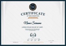 Certificado de plantilla de la disposición de la plantilla del diseño del marco del RECONOCIMIENTO de tamaño A4 Imágenes de archivo libres de regalías
