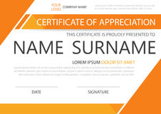 Certificado horizontal da elegância alaranjada com ilustração do vetor, molde branco do certificado do quadro com teste padrão li Fotos de Stock Royalty Free