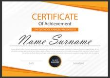 Certificado horizontal da elegância com ilustração do vetor, molde branco do certificado do quadro com teste padrão limpo e moder Imagem de Stock