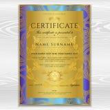 Certificat, calibre d'or de conception de diplôme, fond avec le modèle floral et en filigrane, frontière de rouleau, cadre d'or Images stock