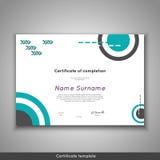 Certifikat av avslutning - gillande, prestation, avläggande av examen, diplom eller utmärkelse med den roliga geometriska scandin Arkivbild
