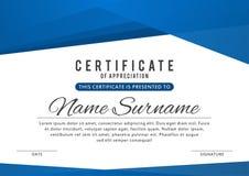 Certifikatmall i elegant blåttfärg med abstrakt begreppgränser, ramar Certifikat av gillande, utmärkelsediplom stock illustrationer