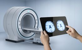 Cerveau de rayon X avec le balayage de mri illustration libre de droits