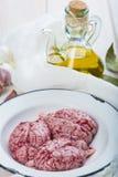 Cerveaux et ingrédients d'agneau pour les faire cuire image libre de droits