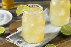 Cerveja alcoólica de refrescamento Margarita Beerita imagens de stock royalty free