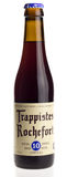 Cerveja belga Rochefort 10 do trappist isolado no branco Fotografia de Stock