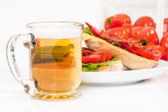 Cerveja, BLT e tomates do campo Imagem de Stock Royalty Free