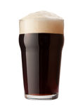 Cerveja de malte inglesa isolada com trajeto de grampeamento Foto de Stock