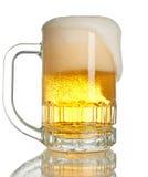 Cerveja de transbordamento Fotografia de Stock Royalty Free