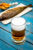 Cerveja e peixes Imagens de Stock Royalty Free