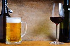 Cerveja e vinho Imagem de Stock Royalty Free