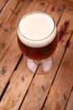 Cerveja em uma caixa Fotografia de Stock Royalty Free
