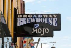 Cervejaria de Broadway & Mojo Grill, Nashville do centro Tennessee Imagem de Stock