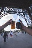 Cervejas abaixo da torre imagem de stock royalty free