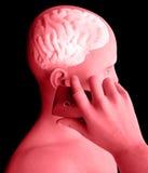 Cervello, uomo con il telefono cellulare, Brain Problems, causa del tumore, malattie degeneranti, ` s, fronte di Parkinson di pro Fotografie Stock Libere da Diritti