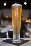 Cerveza alta imagenes de archivo