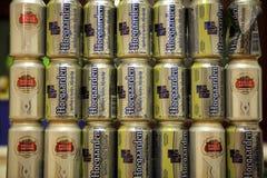 Cerveza belga Hoegaarden y Stella Artois Fotos de archivo libres de regalías
