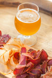 Cerveza clara y desigual imagen de archivo libre de regalías