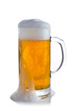 Cerveza con espuma Foto de archivo
