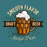 Cerveza de barril Logo Label Design With una taza o un Krug de la cerveza con libre illustration