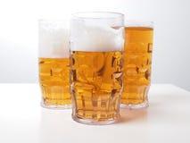 Cerveza de cerveza dorada Imagenes de archivo