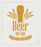 Cerveza en golpecito ilustración del vector