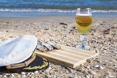 Cerveza fijada para el marinero Imagenes de archivo