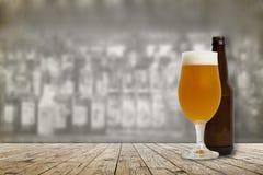 Cerveza fría del arte Foto de archivo