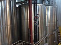Cerveza que elabora las cubas Imagen de archivo libre de regalías