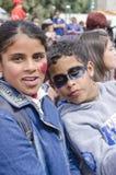 Cerveza-Sheva, ISRAEL - 5 de marzo de 2015: Adolescentes de la muchacha y del muchacho con el maquillaje en sus caras - Purim del Imagenes de archivo