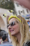 Cerveza-Sheva, ISRAEL - 5 de marzo de 2015: Cerveza-Sheva, ISRAEL - 5 de marzo de 2015: Retrato de una mujer en gafas de sol oscu Fotos de archivo