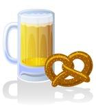 Cerveza Stein y pretzel Fotografía de archivo