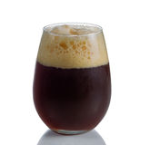Cerveza valiente en vidrio sin pie Fotografía de archivo libre de regalías