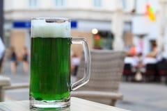 Cerveza verde fotografía de archivo libre de regalías