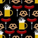 Cerveza y pretzeles inconsútiles, salchicha del modelo Fondo o del vector Imagenes de archivo