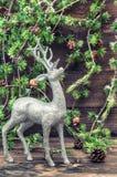 Cervi di natale Decorazione d'annata di stile con il reggiseno dell'albero di Natale Immagine Stock Libera da Diritti