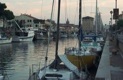 Cervia Abend im Kanal Stockbild