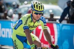 Cervinia, Italia 29 de mayo de 2015; El ciclista profesional aborda la subida pasada antes de llegada Fotografía de archivo