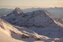 Cervinia und Zermatt Ski fahrende 2 Lizenzfreies Stockbild