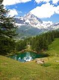 Cervinia Valle d'Aosta, Italien royaltyfria foton