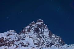 Cervino Berg auf der Nacht. Stockbilder