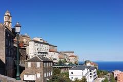 Cervione-Dorf in Korsika Stockbild