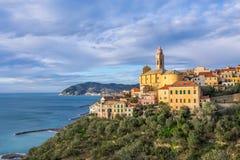 Cervo - de middeleeuwse stad van de heuveltop, Ligurië, Italië Stock Afbeelding