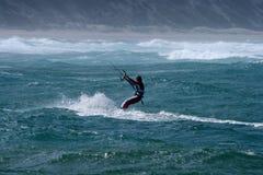 Cervo volante che pratica il surfing la baia di Sodwana Fotografia Stock Libera da Diritti