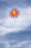 Cervo volante rosso nel cielo Fotografia Stock Libera da Diritti